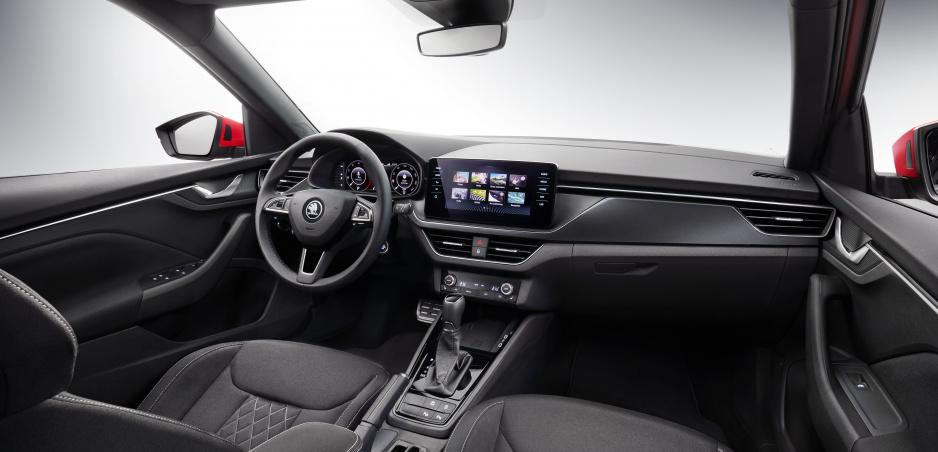 Škoda Kamiq odhaľuje svoj interiér na prvej fotke
