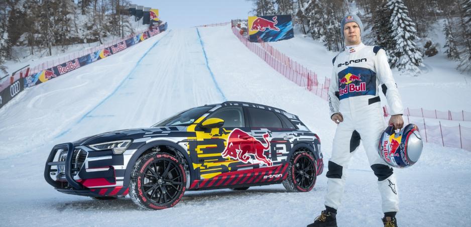 Audi E-Tron vyšlo najstrmším úsekom slávnej zjazdovky Streif v Kitzbüheli