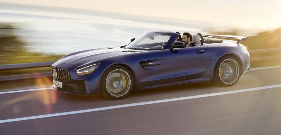 Mercedes predstavil AMG GT R Roadster: Vyrobia ho len 750 kusov