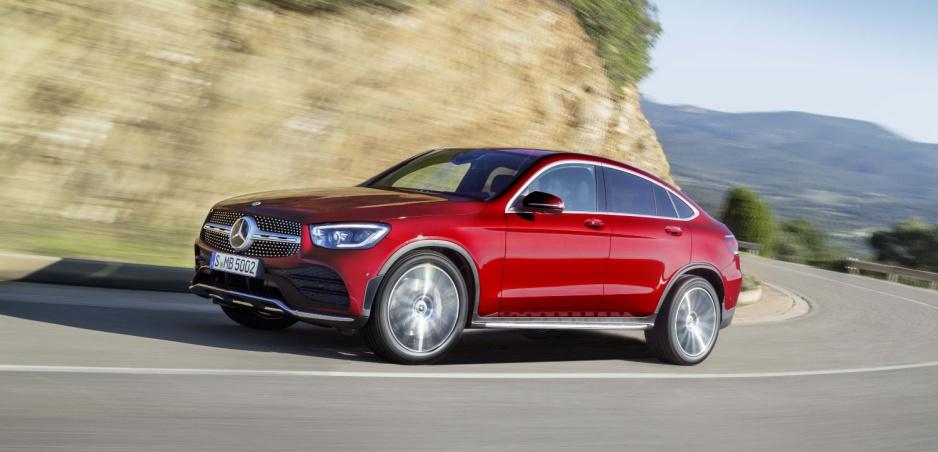Mercedes už predstavil aj modernizované GLC Coupé