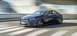 Aj Mercedes triedy A sedan prichádza vo výkonnejšej verzii AMG A 35 4Matic