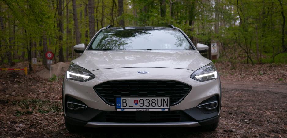 Test Ford Focus Active: Mestský hatchback s nádychom terénu