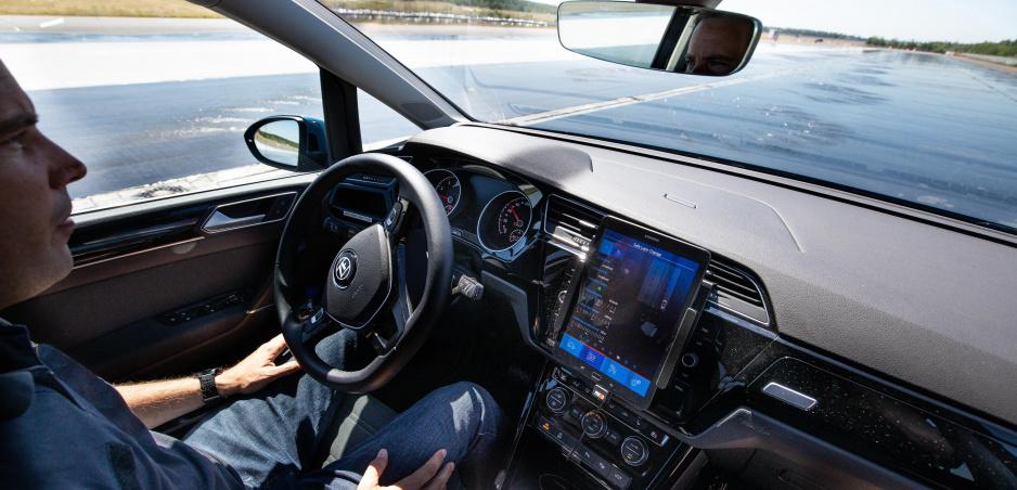 Previezli sme sa v autonómnom aute