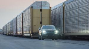 Elektrický Ford F-150 utiahol takmer 600 ton