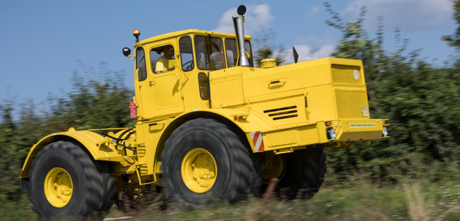Na veteránsku akciu Jesenná Kopaničiarska 77 zavítal aj obrovský traktor so 650-litrovou nádržou