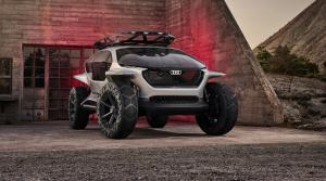 Audi AI:TRAIL odhalený: Namiesto stretávačiek posvietia drony