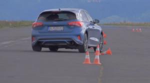 Test: Ford Focus ST má vysoký výkon, ale hlavne brutálny podvozok