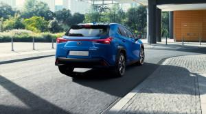 Lexus ukázal svoj prvý elektromobil, crossover UX 300e