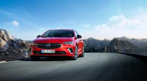Opel ukazuje modernizovanú športovú Insigniu GSi