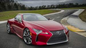 Lexus LC F bude najvýkonnejšie auto značky. Čakanie naň sa predĺži