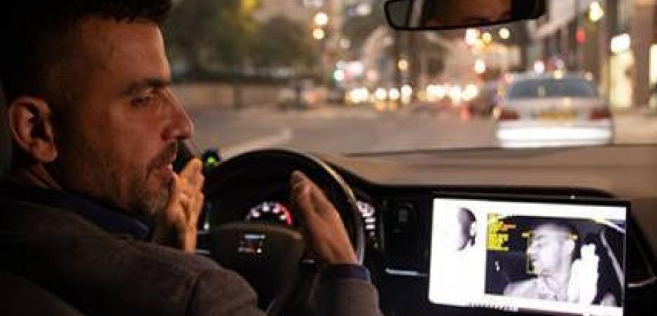 Seat pripravuje stmaviteľné okná a monitorovanie používania telefónu