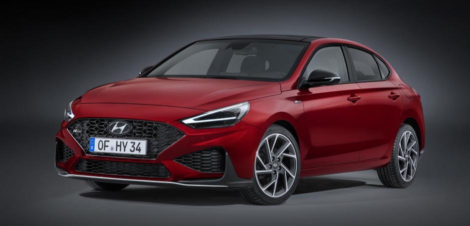 Modernizovaný Hyundai i30 sa ukazuje na prvých fotkách. Dostane vylepšené motory