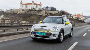 Prvá jazda: Štýlové MINI dostalo elektrický pohon