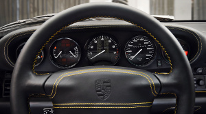 high_993_turbo_the_reveal_classic_project_gold_2018_porsche_ag (7)