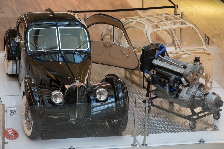 Bugatti-1738 (1800x1200)