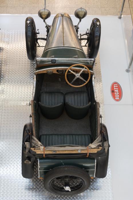 Bugatti-1863 (1198x1800)