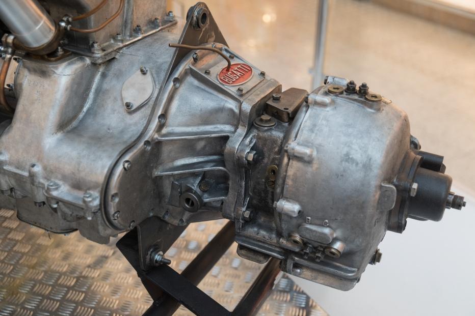 Bugatti-2008 (1800x1200)