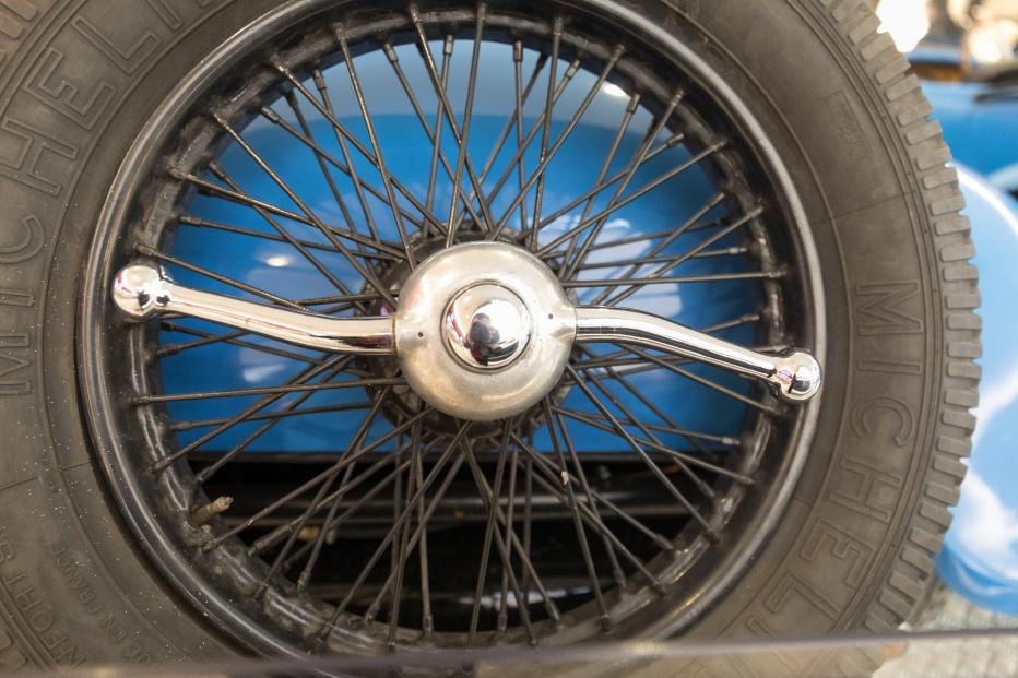 Bugatti-2106 (1800x1200)