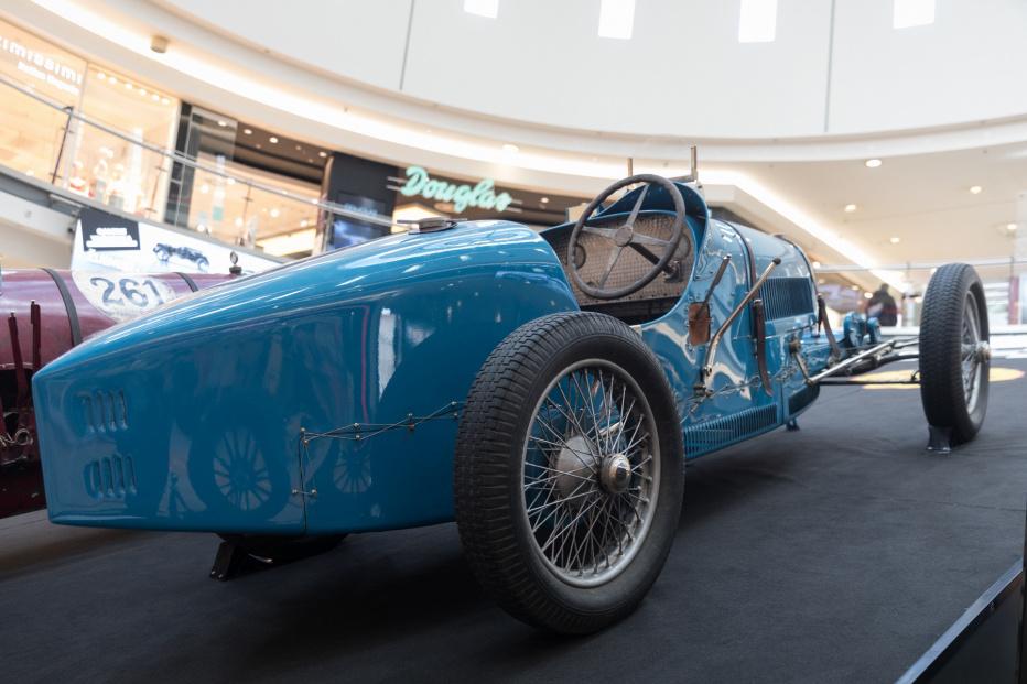 Bugatti-2135 (1800x1200)