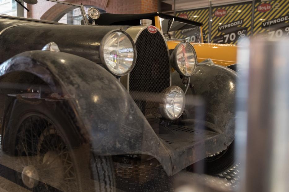 Bugatti-2169 (1800x1199)