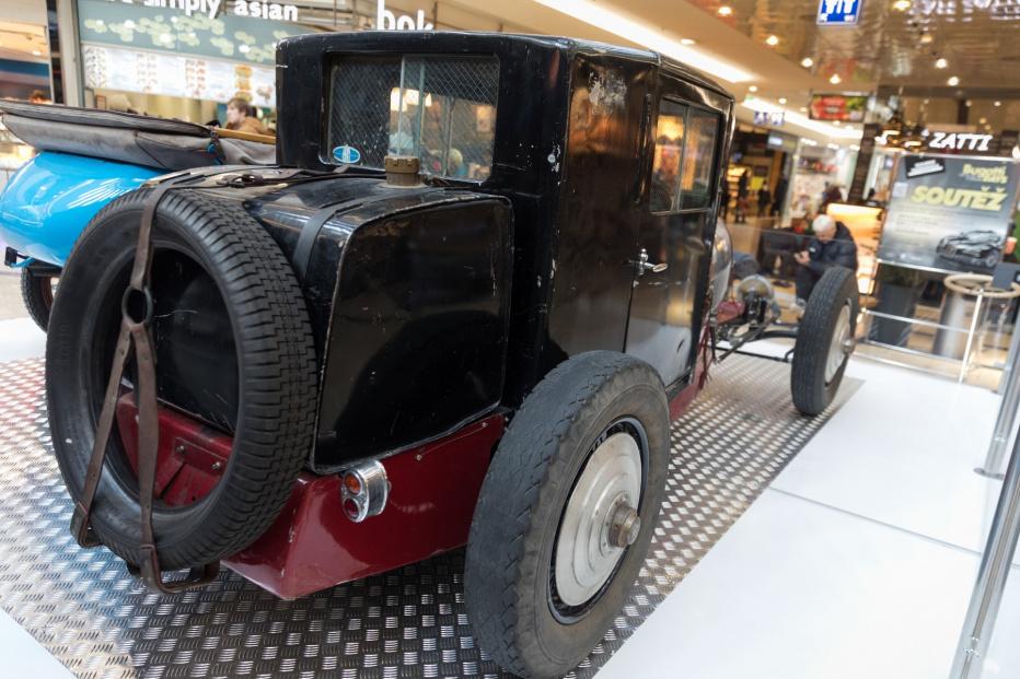 Bugatti-2175 (1800x1200)