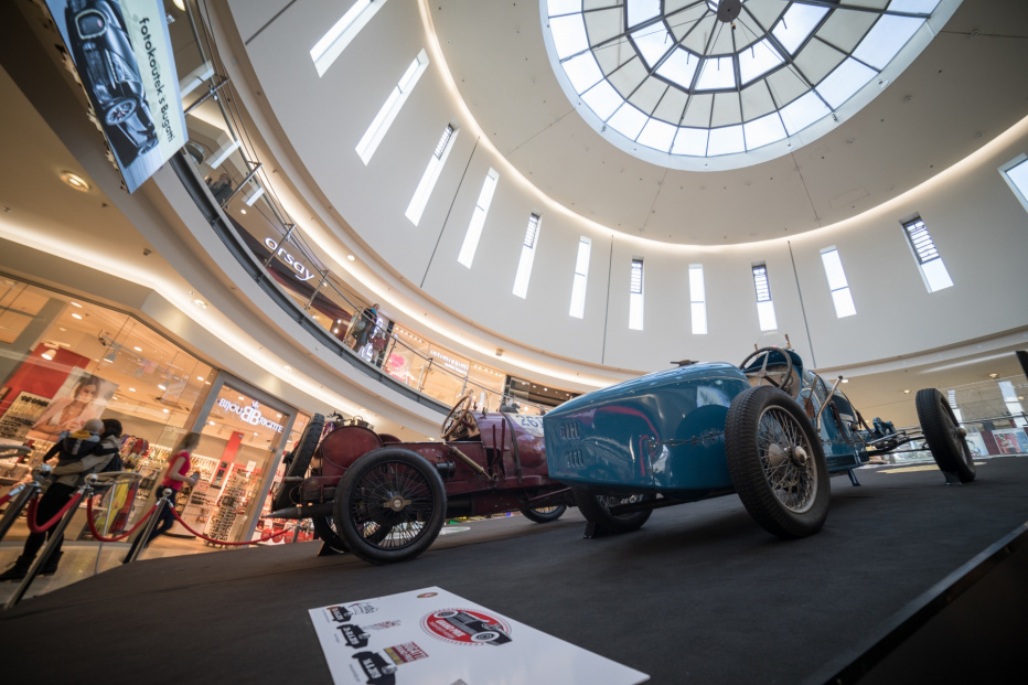 Bugatti-2388 (1800x1200)