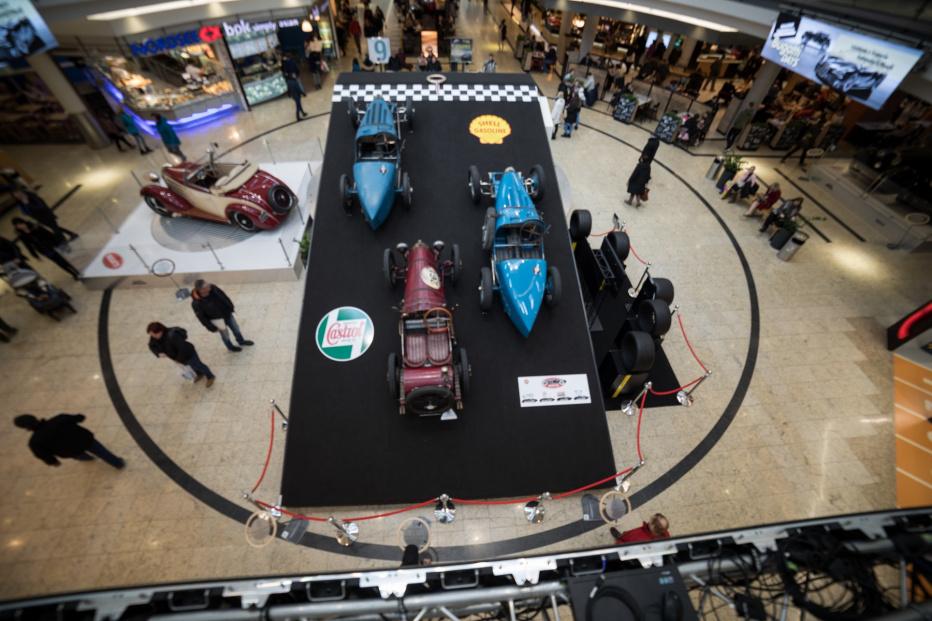 Bugatti-2481 (1800x1200)