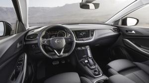 Opel-Grandland-X-Hybrid4-Interior-506696 (1800x1013)