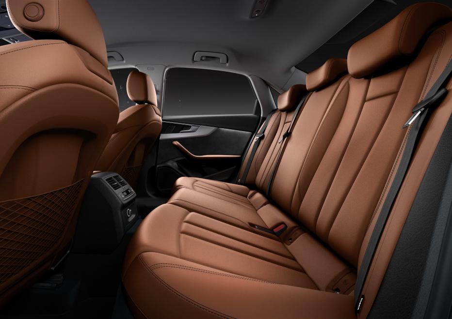 Audi A4 (4)