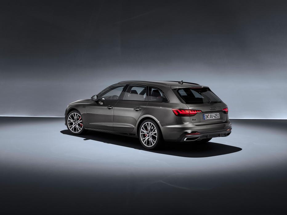 Audi A4 Avant (1)