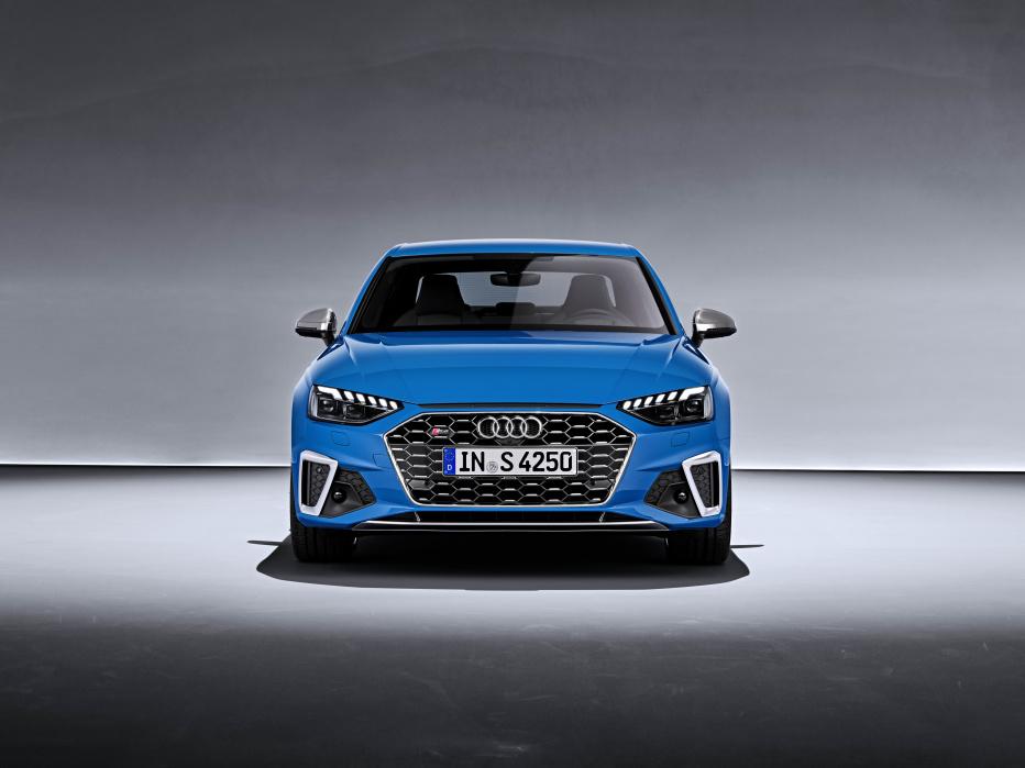 Audi S4 (3)