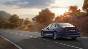 Audi S8 (2)