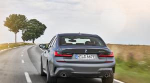 Prvá jazda - BMW 330e (2025)
