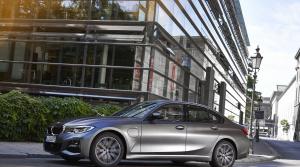Prvá jazda - BMW 330e (2019)