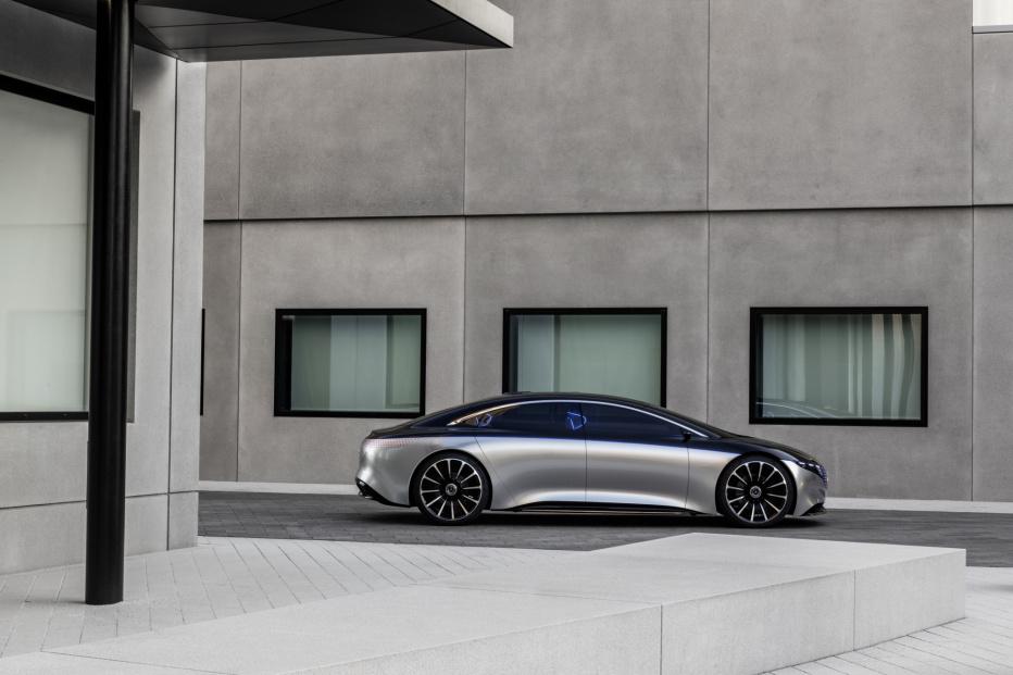 Mercedes Vision EQS (10)