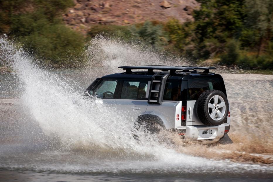 Land Rover Defender (16)